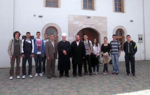 Srednjoškolci u posjeti Čaršijskoj džamiji