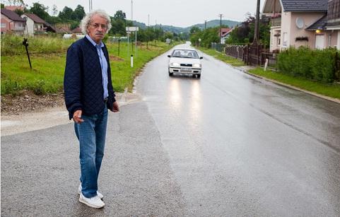 Ahmet Rešidović pored ceste smrti