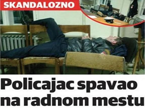 Ljubija: Policajac Robert Besir spava na radnom mjestu