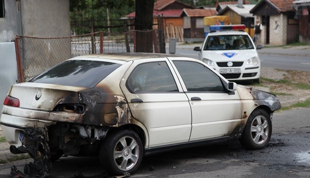 U naselju Raškovac zapaljen automobil