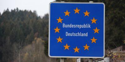schild-bundesrepublik-deutschland-grenzubergang-wegscheid